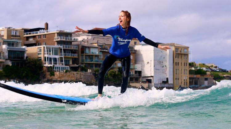 linda on surf board0
