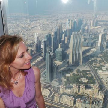 Linda%20on%20top%20of%20the%20Burj%20copy